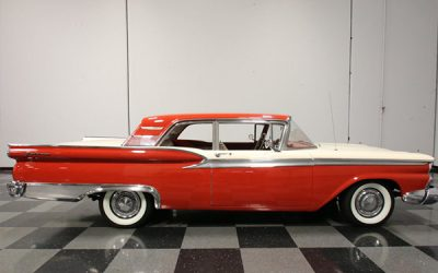Red Ford Fairlane 500 Galaxy